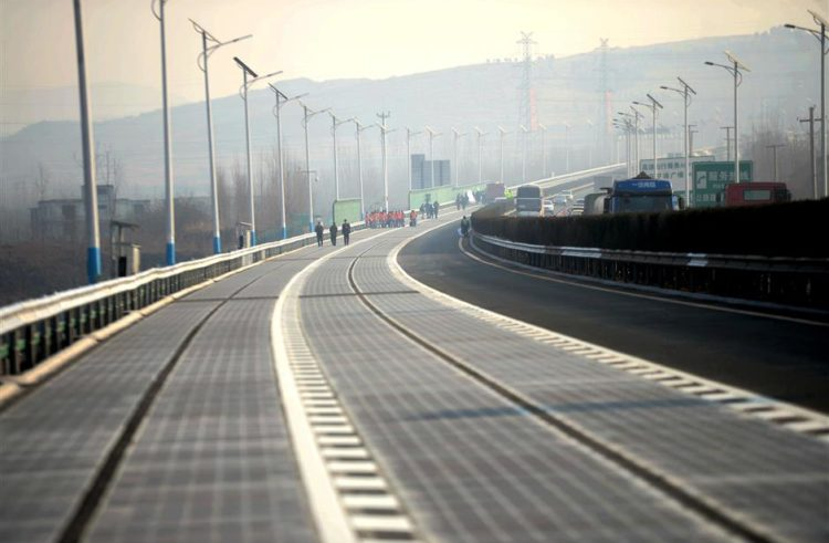 China builds a highway that charges your car while you drive