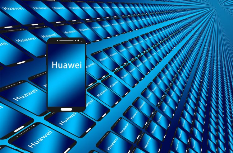 Huawei announces rival operating system to iOS and Android