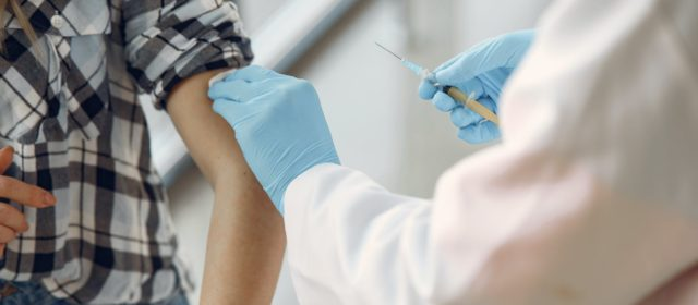 China forges ahead with late trial Covid-19 vaccine
