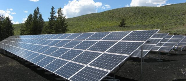 World's second largest solar farm lights up China