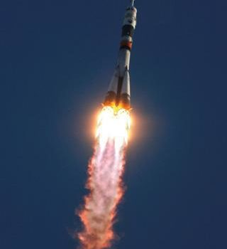 Chinese space rocket comes back down to earth